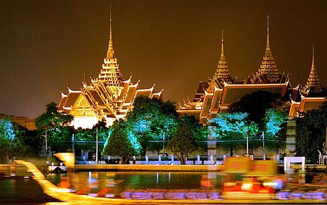 The Grand Palace and The Temple of the Emerald Buddha - Grand Palace view by night