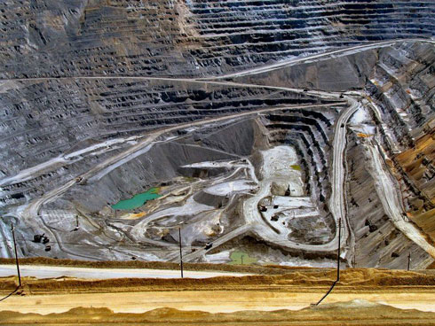 The Bingham Canyon Mine, Utah, USA - Inside the career