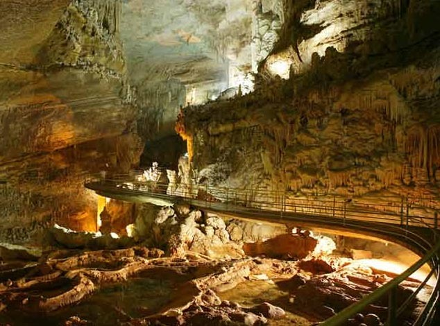 Jeita Grotto - Fantastic natural wonder