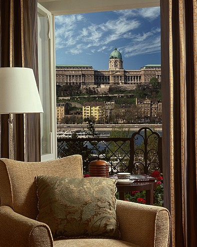 Four Seasons Hotel in Budapest - Excellent views from the hotel
