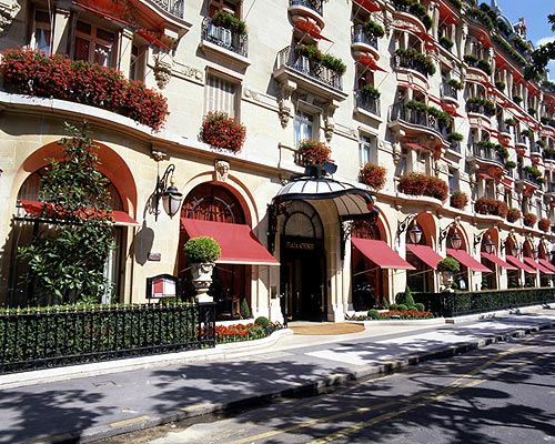 http://www.bestourism.com/img/items/big/1158/Hotel-Plaza-Athenee-in-Paris_Exterior-view_4262.jpg