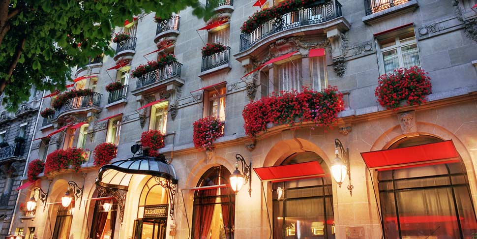 Hotel Plaza Athenee In Paris The Best Luxury Hotels In