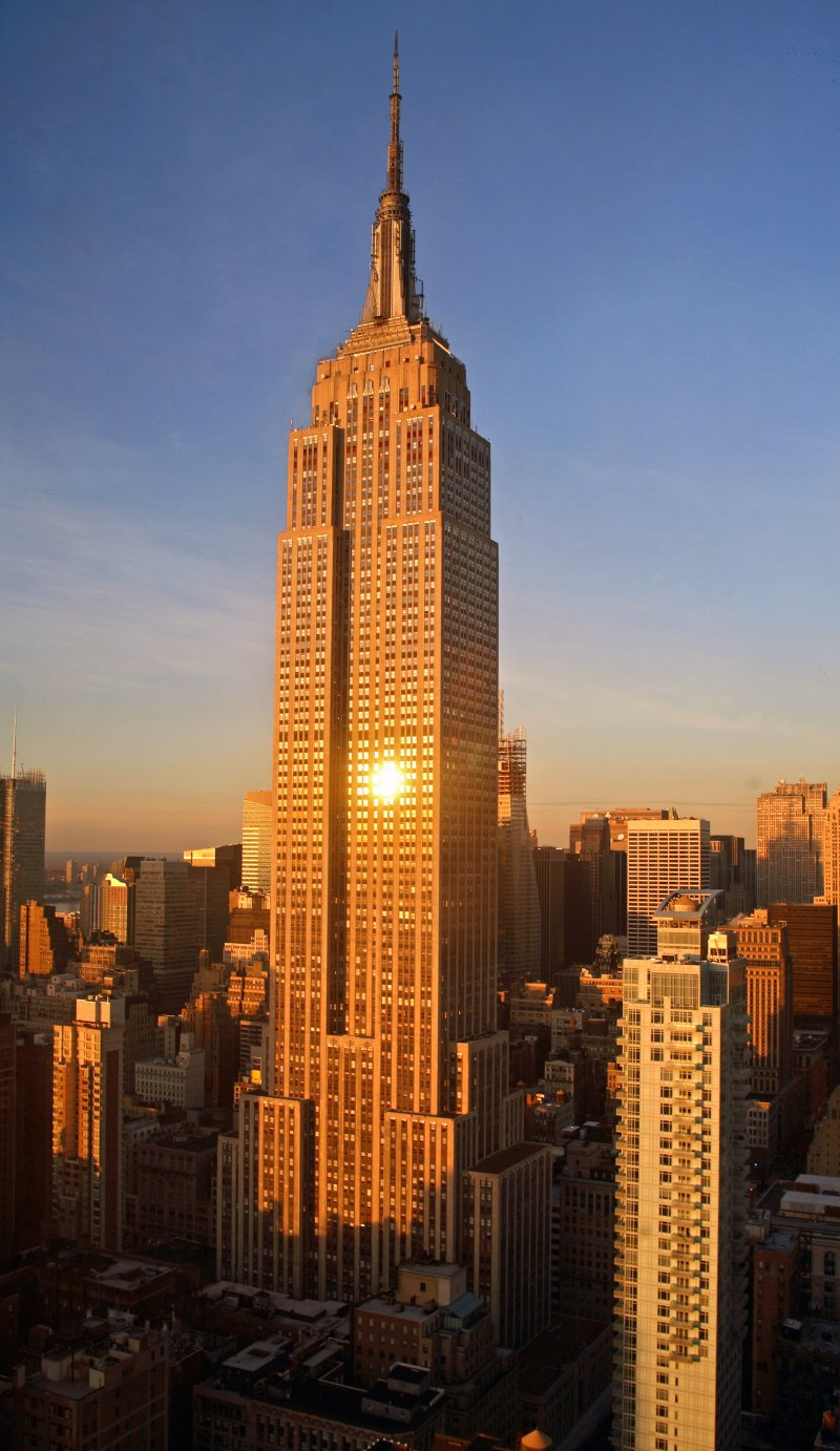 Empire State Building in New York - Beautiful sunrise on the Empire State Building