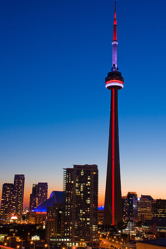 Top architectural wonders of the world -> cn tower in toronto, canada