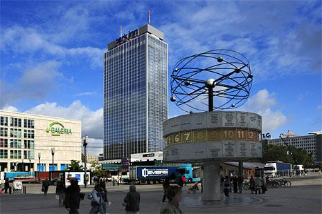 Alexanderplatz - Alexanderplatz world clock
