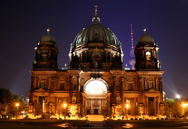 Berliner Dom - Night view of Berliner Dom