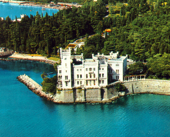 Miramare-Castle-in-Trieste-Italy_Aerial-view_4718.jpeg