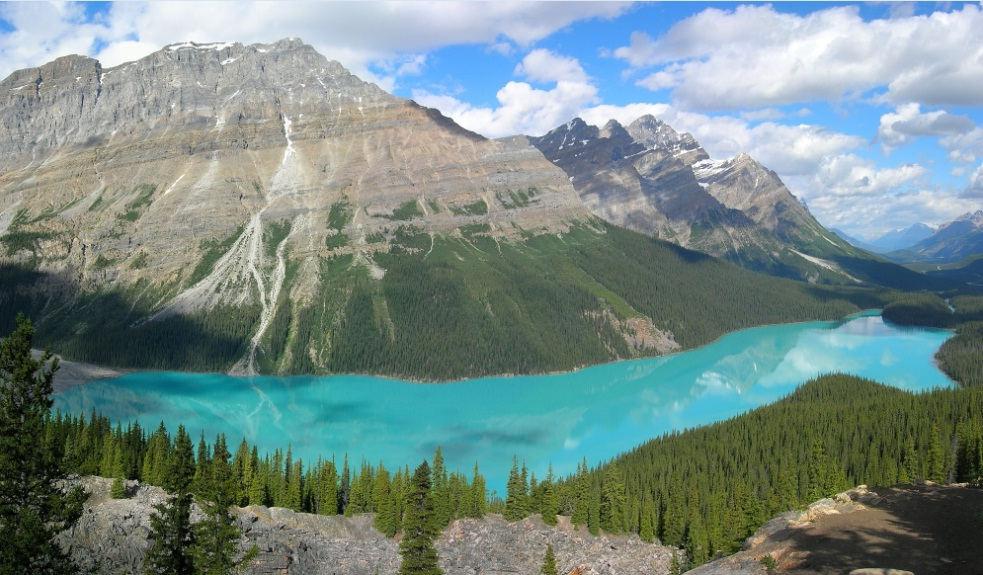 Peyto Lake in Canada - Amazing view of the lake
