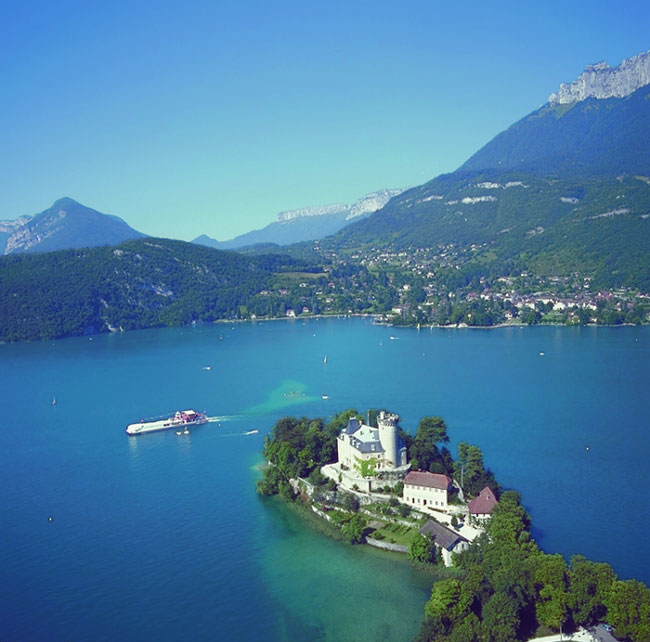 Lake Annecy in France - Breathtaking views