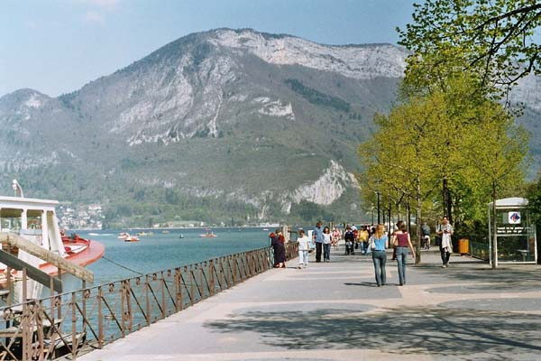Lake Annecy in France - Great panorama