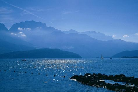 Lake Annecy in France - Picturesque setting