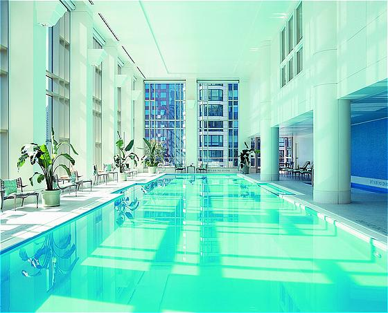 The peninsula chicago the best 5 star hotels in chicago usa for Hotel in chicago with swimming pool in room