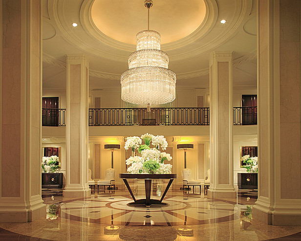 Four Seasons Beverly Wilshire - Lobby