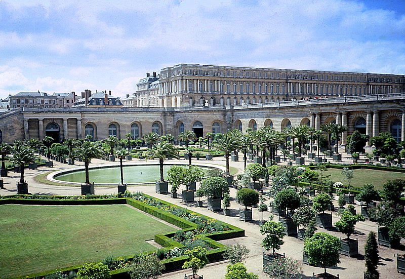 Gardens of Versailles - Versailles Palace and Gardens