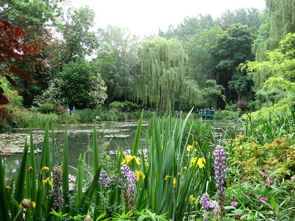 Claude Monet Gardens in Giverny - Excellent location