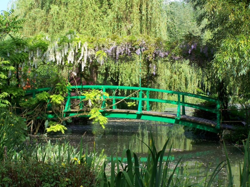 Claude Monet Gardens in Giverny - Scenic landscape