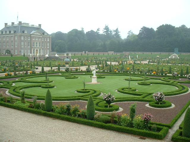 Gardens at Het Loo Palace - Gardens view
