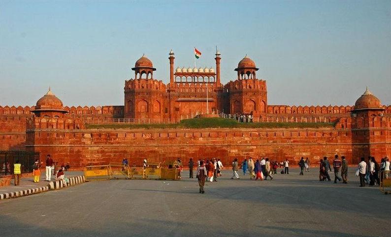 essay about new delhi