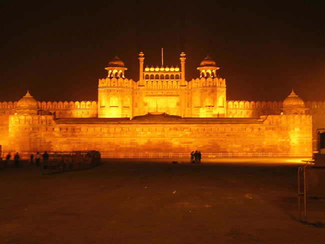Red Fort in Delhi - Red Fort view by night