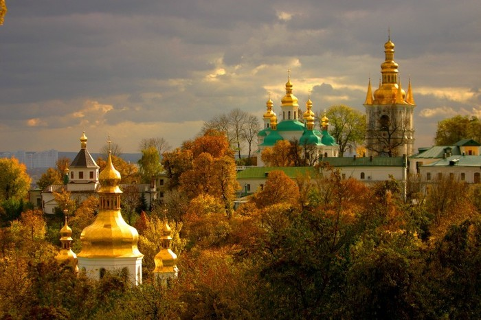 Kiev-Pechersk Lavra - Picturesque location