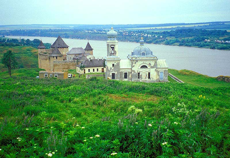 Khotyn Fortress - Pictoresque setting
