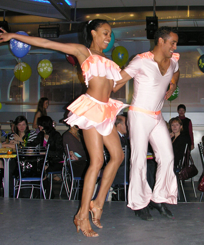 Salsa and merengue in Dominican Republic - Salsa dancers