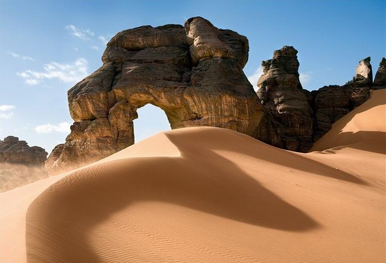 http://www.bestourism.com/img/items/big/1417/Sahara-in-Libya_Sahara-relief_5679.jpg