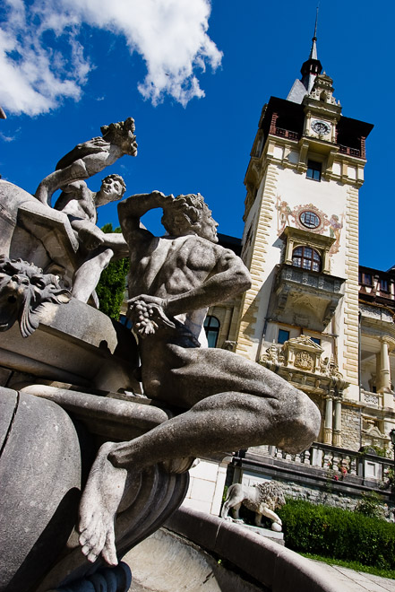 Peleş Castle, Romania - Beautiful architecture of Peles Castle