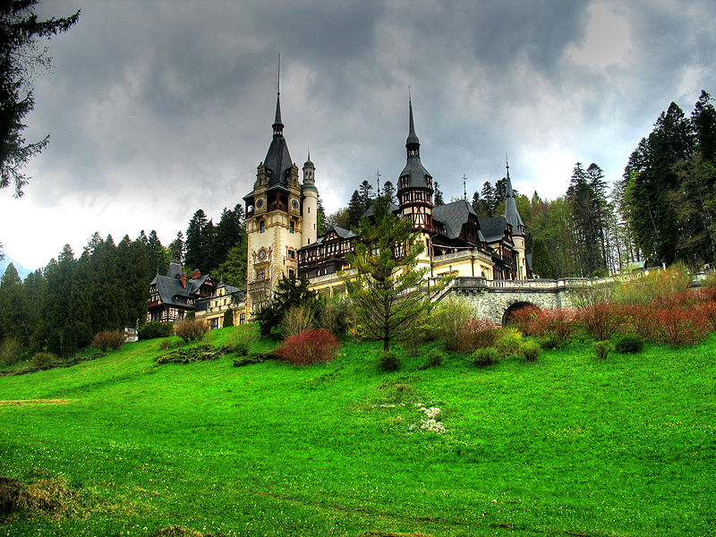 Peleş Castle, Romania - Beautiful scenery