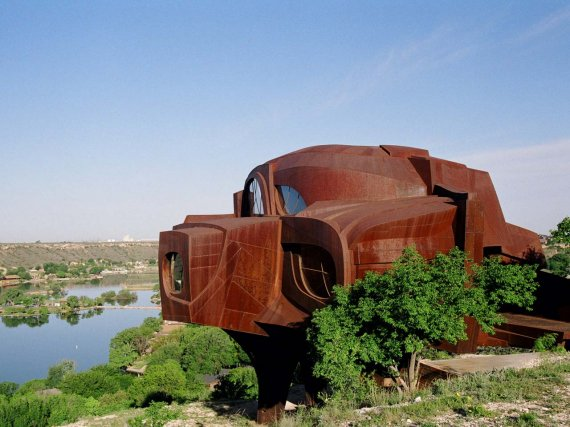 Steel House in Texas, USA.  - Rear view of the house