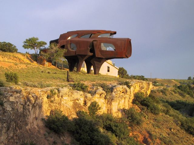 Steel House in Texas, USA.  - Side view of the house