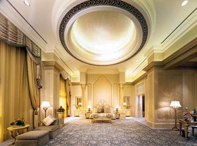 Images emirates palace hotel in abu dhabi united arab for Design hotel definition