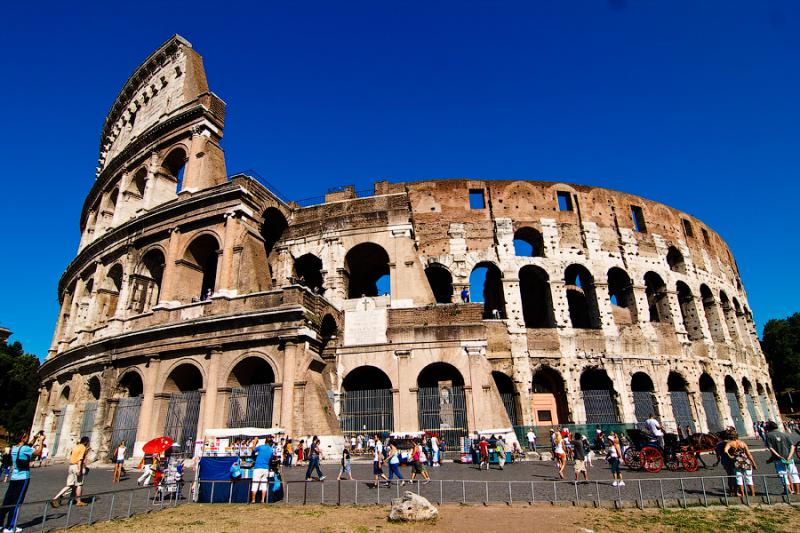 Colosseum in italy the best places to visit in rome italy for Italy the best places to visit