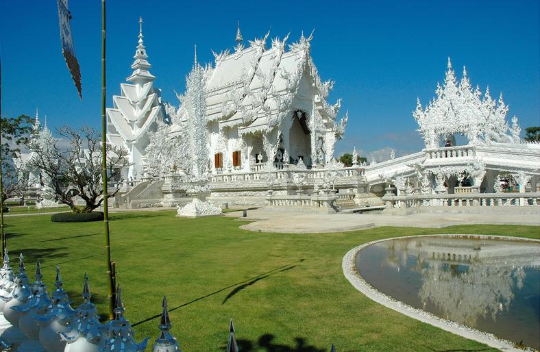 Wat Rong Khun in Thailand - Splendid architecture