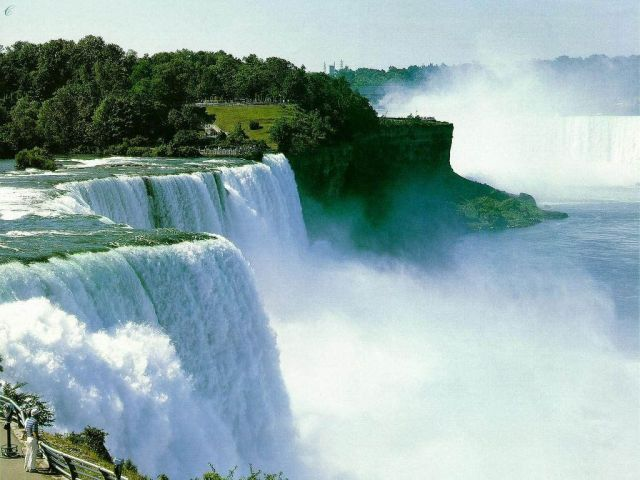 Niagara Falls in USA - Excellent views