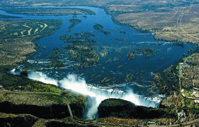 Victoria Falls Figures Victoria Falls in Zimbabwe
