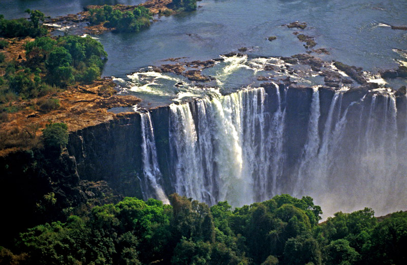 Victoria Falls in Zimbabwe - Breathtaking scenery