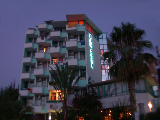 Palm Can Hotel - Night view