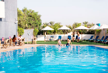 Arabian Park Hotel - Outdoor swimming pool