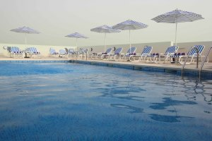 Premier inn dubai international airport the best 3 star hotels in dubai united arab emirates for Dubai airport swimming pool price