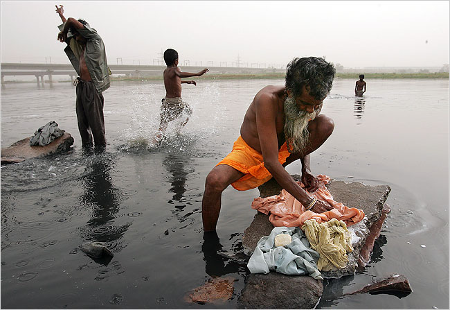 Yamuna River in India - The most polluted places in the world