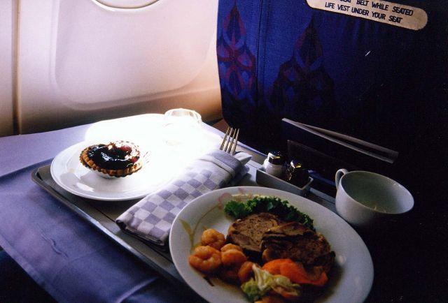 Thai airways international the best luxury airline for Air thai cuisine