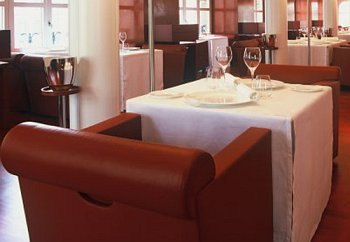 Trussardi alla Scala Restaurant - Warm and cosy ambience