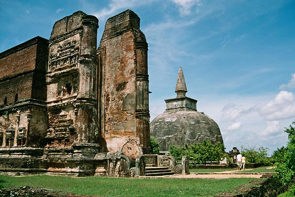 Sri Lanka - Ancient ruins