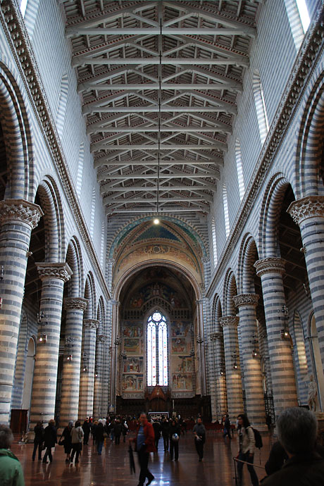 Orvieto Cathedral - Interior view