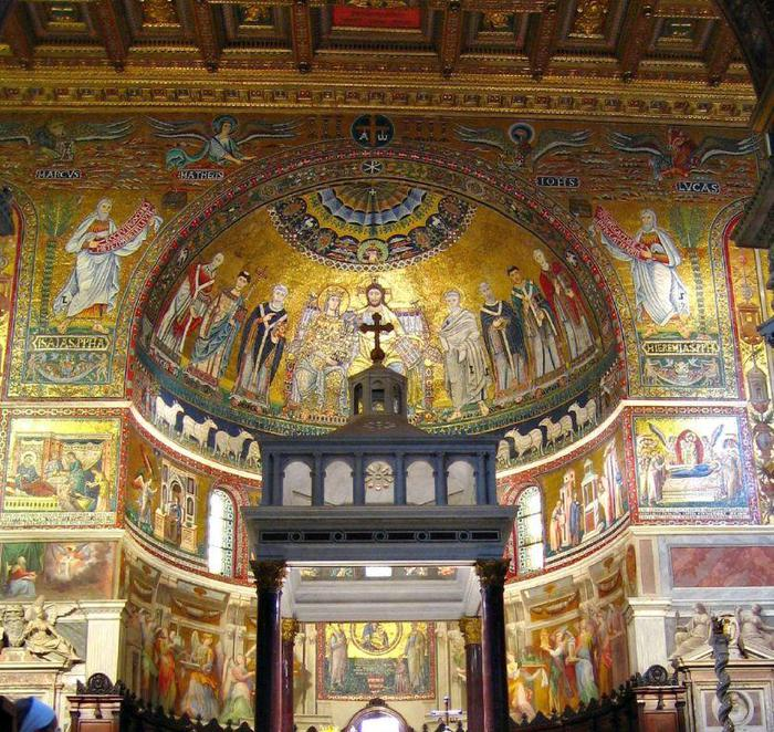 Santa Maria in Trastevere - Beautiful interior