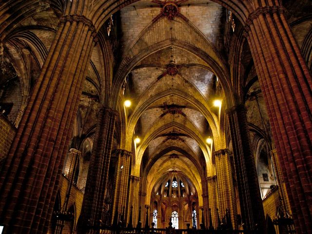 Images barcelona cathedral interior view 7078 for Catedral de barcelona interior