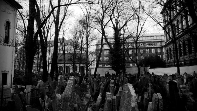 Old Jewish Cemetery in Prague, Czech Republic - General view
