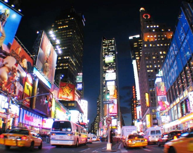 Times square the best places to visit in new york usa for Best places to go in nyc at night