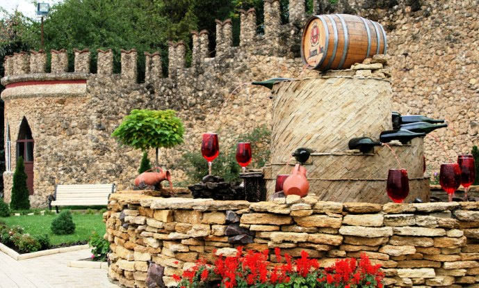 The Quality Wine Complex Milestii Mici - Wine fountain